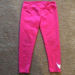 GUC girls Nike hot pink leggings.